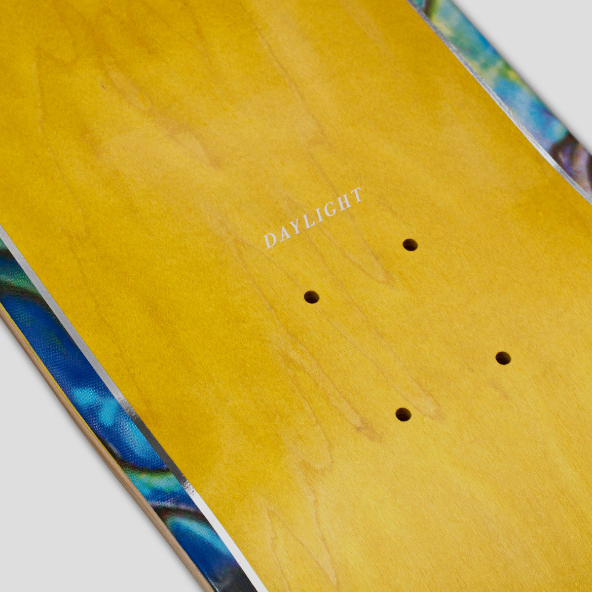 "DAYLIGHT ""PAUA"" DECK"