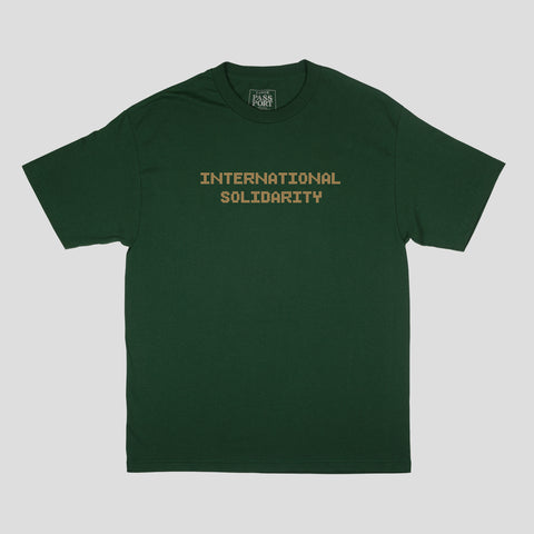 "PASS~PORT ""INTER SOLID TILE"" TEE FOREST GREEN"