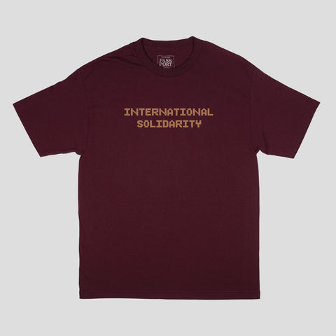 "PASS~PORT ""INTER SOLID TILE"" TEE MAROON"