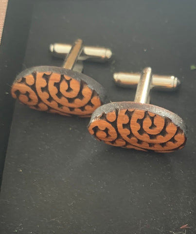 Oval Heartwood cuff links
