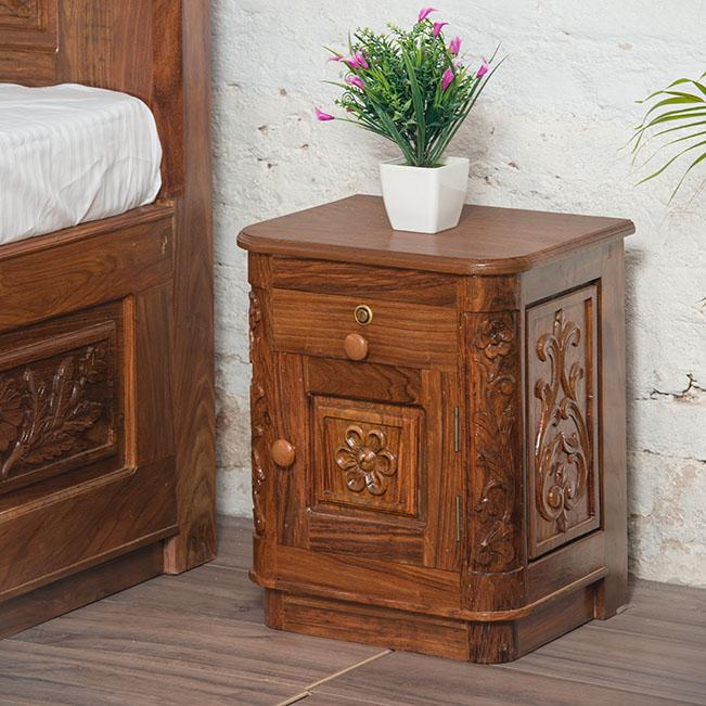 the best attitude 35e64 a8dc6 Solid Wood Czar Carving Bedside Table - Saraf Furniture
