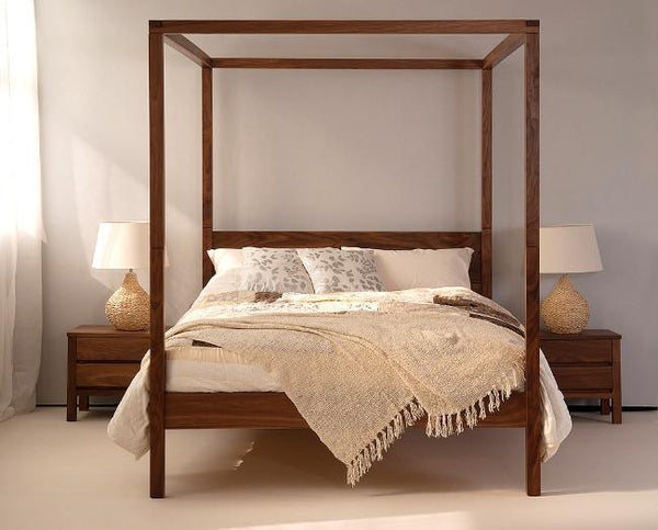 Solid Wood Poster Bed Cube