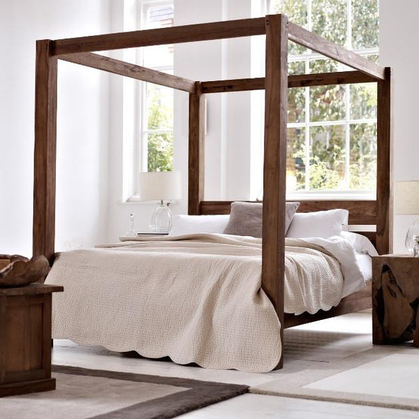 Solid Wood Poster Bed Contrast