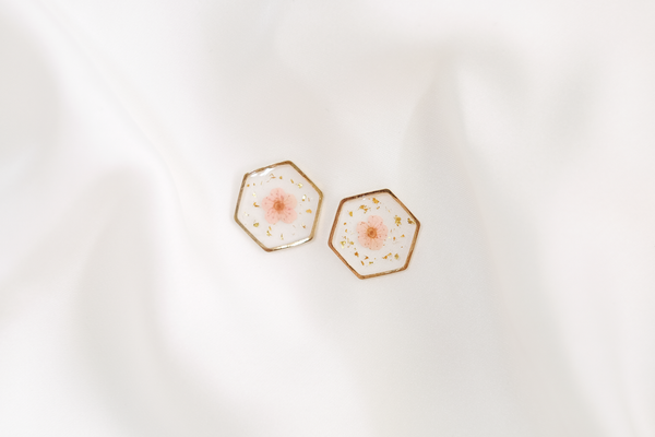 Maia Dried Floral Earring Studs (Pink)