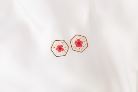 Maia Dried Floral Earring Studs (Red)