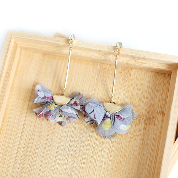 Chiffon Floral Earrings (Grey)