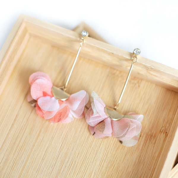 Chiffon Floral Earrings (Peach)