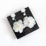 Dangling Floral Pearl Earrings