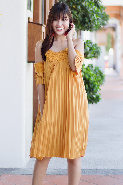 Dachel Pleated Dress (Yellow)