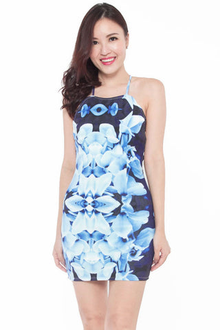 Iylle Fitted Tie-Back Dress