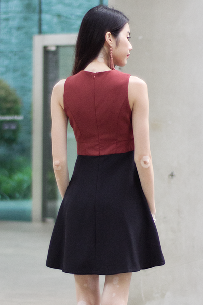 Tassell Colourblock Dress (Brick Black)