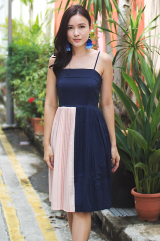 Parie Pleat Dress (Navy)