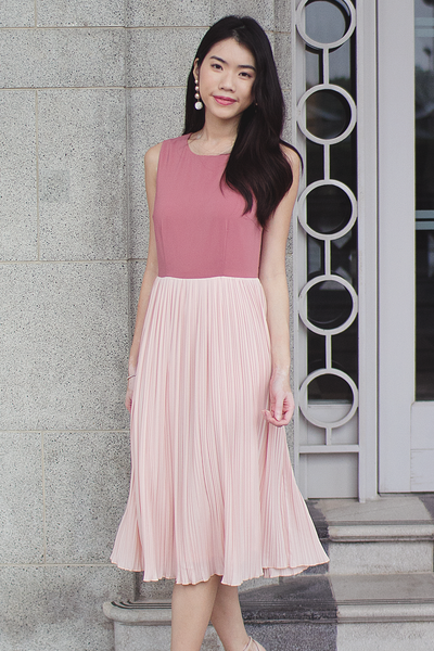 Fayenne Pleat Dress (Blush)