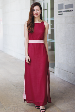 Ashlie Colour Contrast Maxi Dress (Wine)