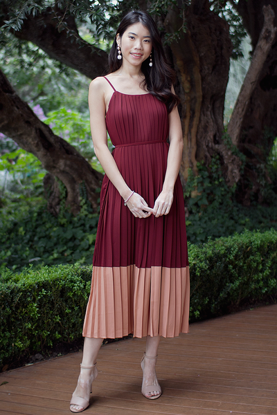 Caroll Pleated Colourblock Dress (Wine)