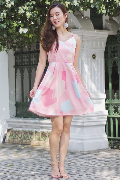 Carlis Abstract Dress (Pink)