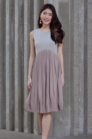 Carinna Pleated Colourblock Dress (Neutral)