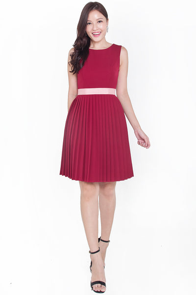 Merrian Pleat Dress (Red)
