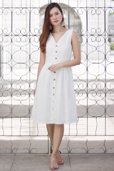 Fairlen Eyelet Dress (White)