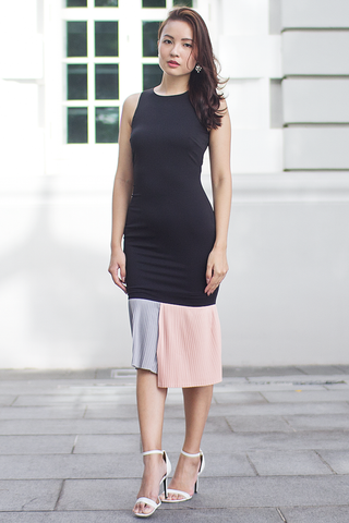 Novita Pleat Fitted Dress (Pastel)