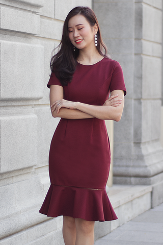 Parlle Trumpet Hem Dress (Wine)