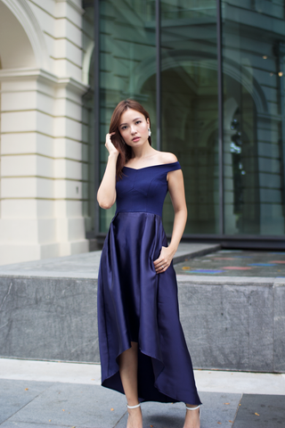 Lorrein Off-Shoulder Maxi Dress (Navy)