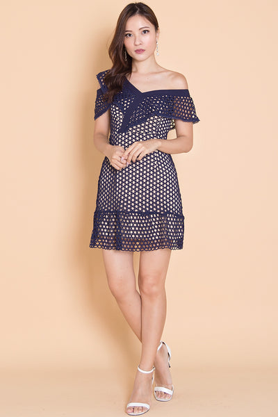 Tesllen Off-Shoulder Dress (Navy)