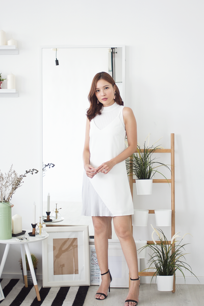 Seralle Pleat Dress (White)