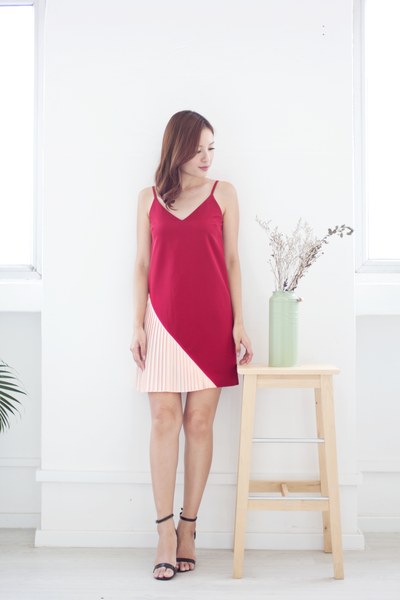 Seralle Pleat Dress (Red)