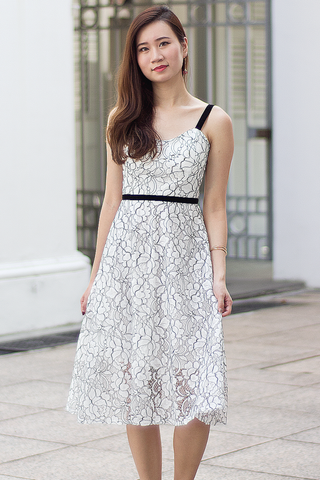 Garcie Lace Dress (White)