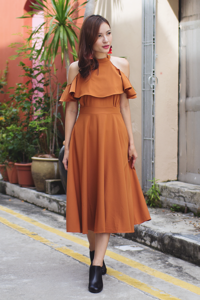 Kasie Flutter Midi Dress (Camel)