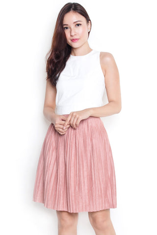 Vendetta Suede Pleated Skirt (Pink)