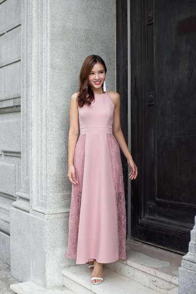Leaine Lace Maxi Dress (Dusty Pink)