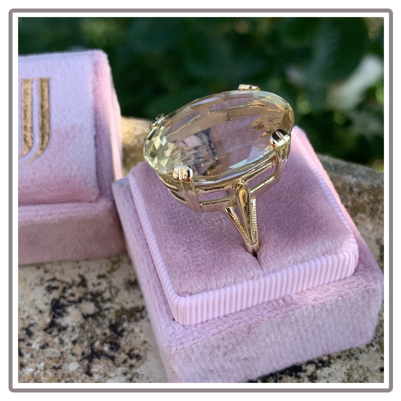 Vintage 25 Carat Oval Citrine Cocktail Ring in Yellow Gold