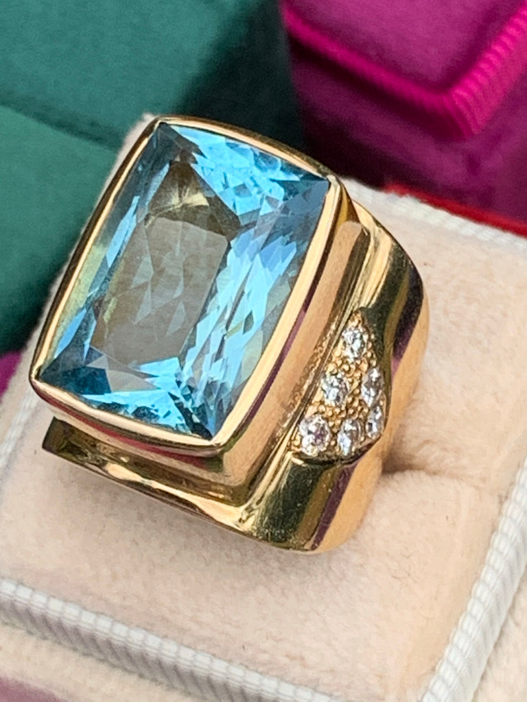 11.50 Carat Aquamarine and Diamond Ring in 14K Yellow Gold
