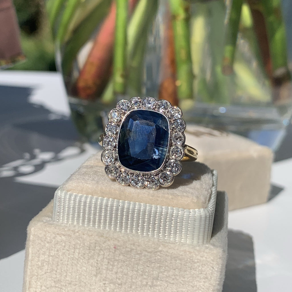 4.50 Carat Blue Sapphire and Diamond Ring in 18K Gold