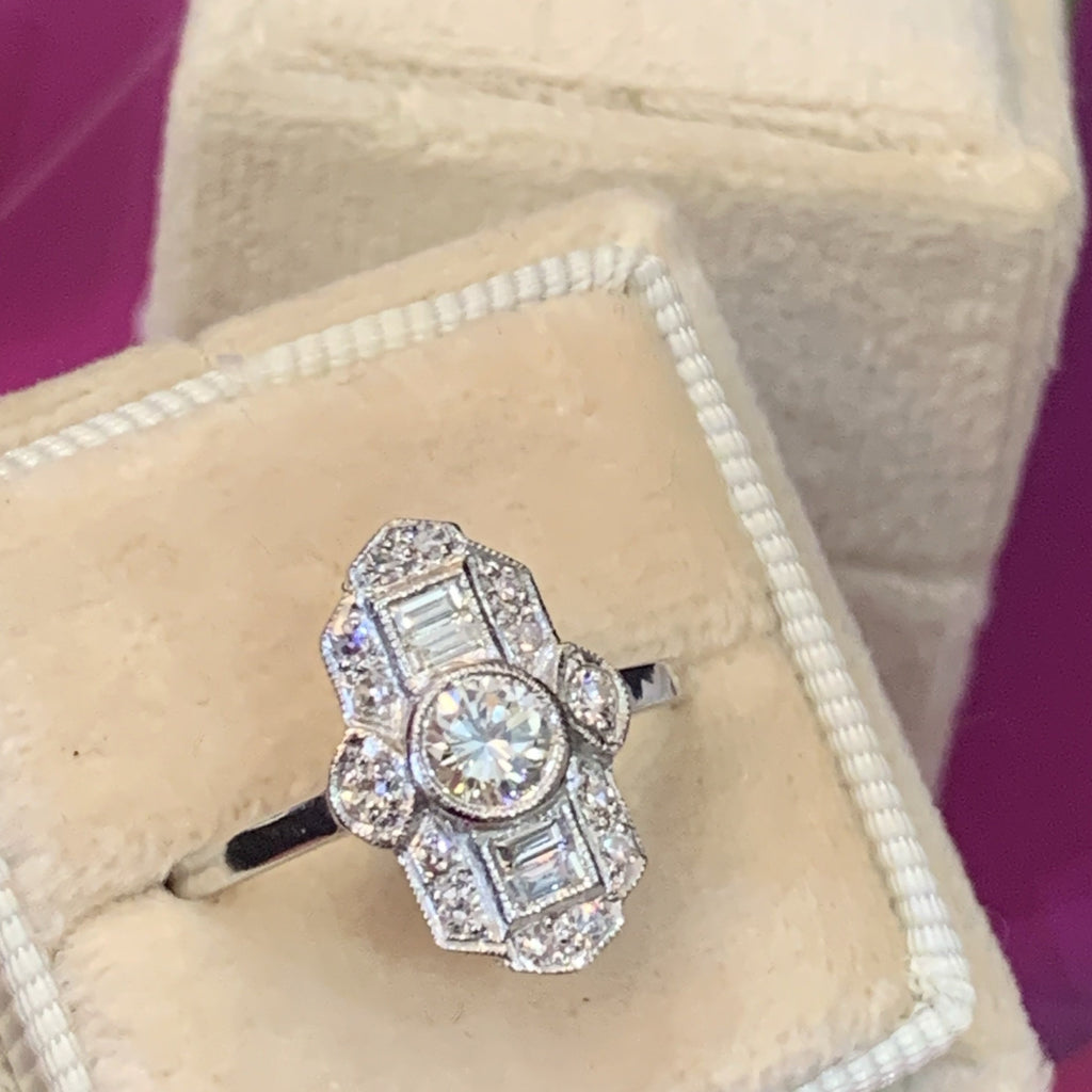 Beautiful Art Deco Design Diamond Ring