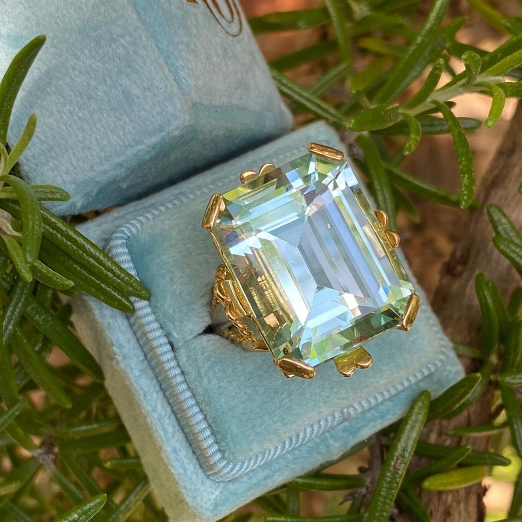 25 Carat Aquamarine Cocktail Ring in 18K Yellow Gold