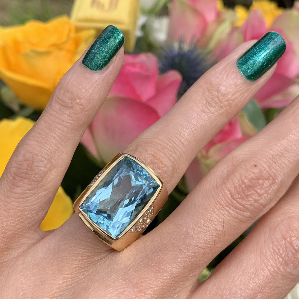 11.50 Carat Vintage Aquamarine and Diamond Cocktail Ring