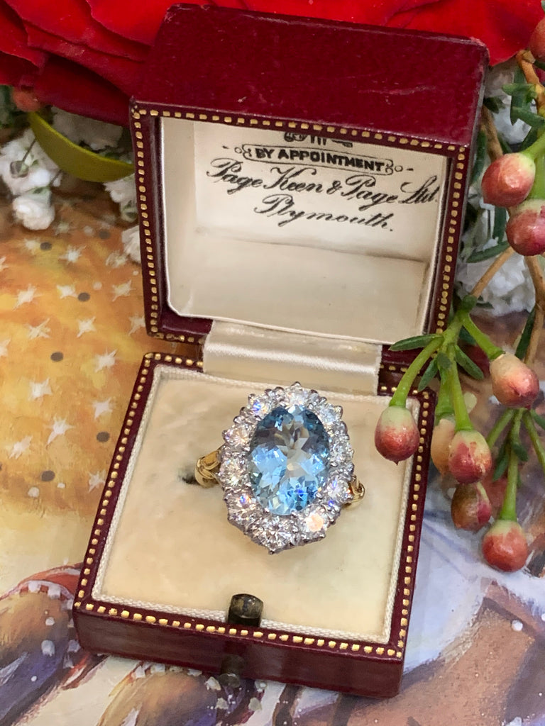 Wonderful Oval Aquamarine and Diamond Ring