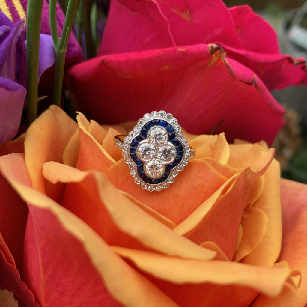 Art Deco Diamond and Blue Sapphire Cluster Ring in 18K Gold