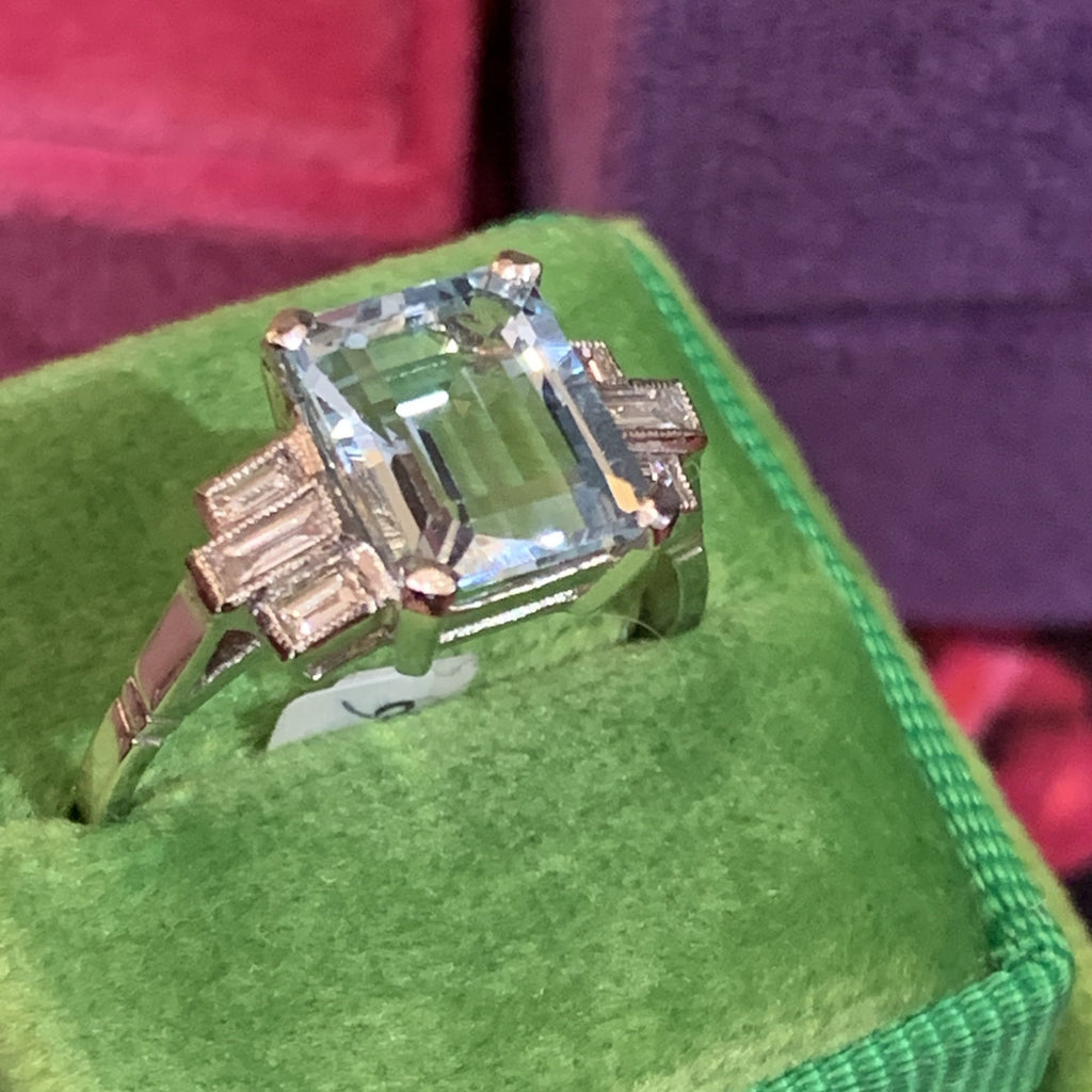 Beautiful Aquamarine and Diamond Ring
