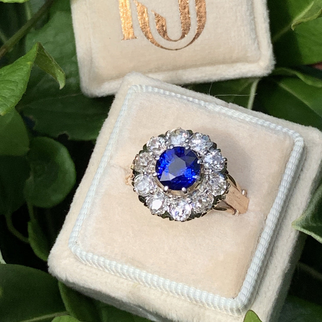 3.00 Carat Antique Blue Sapphire and Diamond Edwardian Ring in 18K Gold