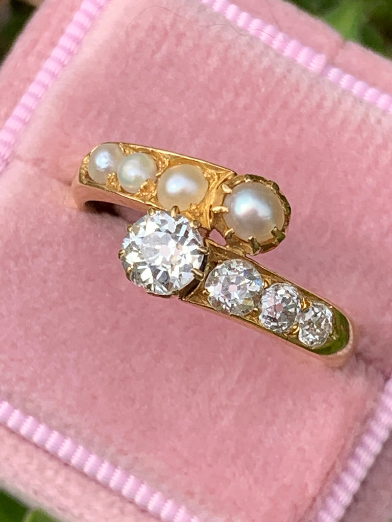 Antique 0.80 CTW Diamond and Pearl Art Deco Ring in 18ct Yellow Gold