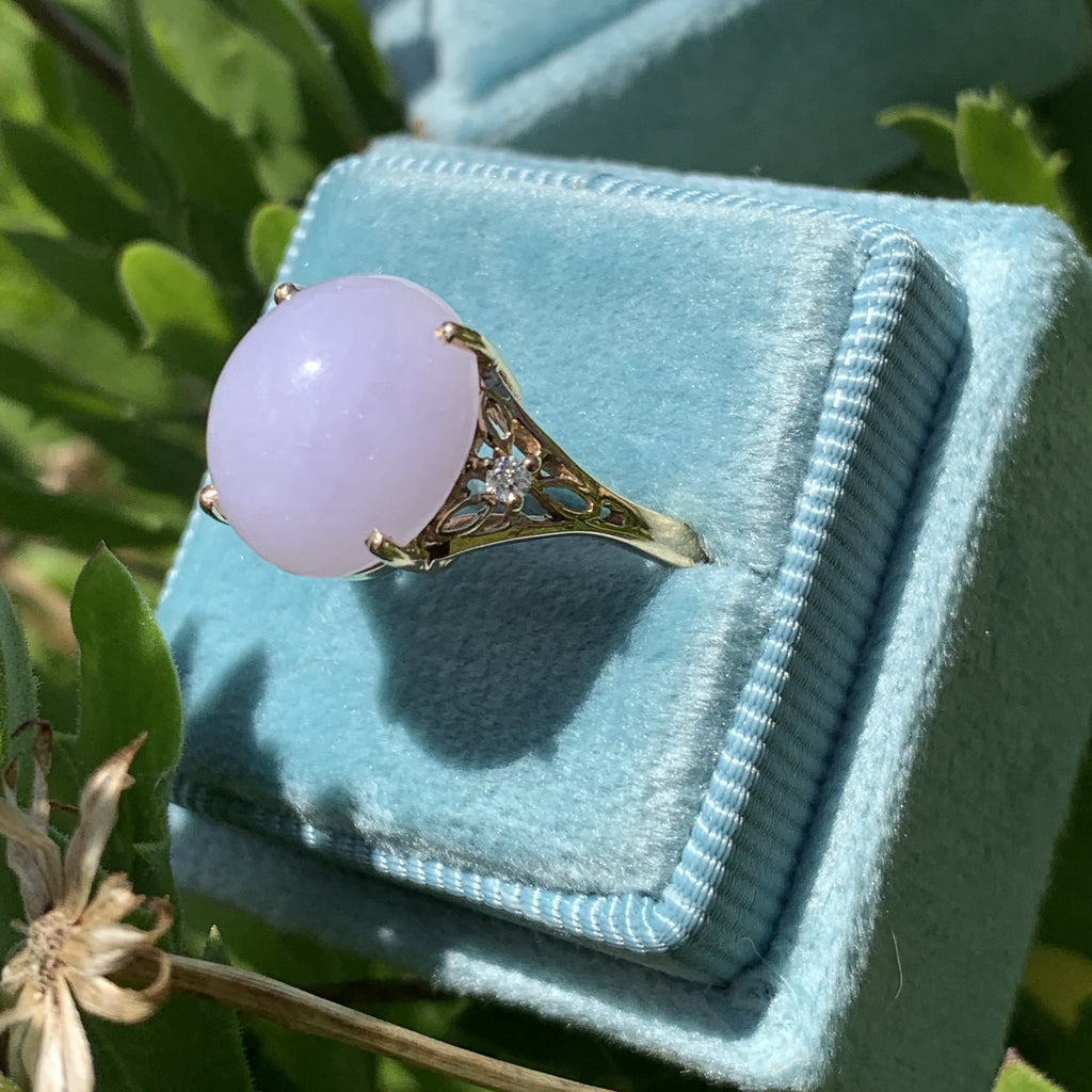 Lavender Jade and Diamond Ring in 18K Yellow Gold
