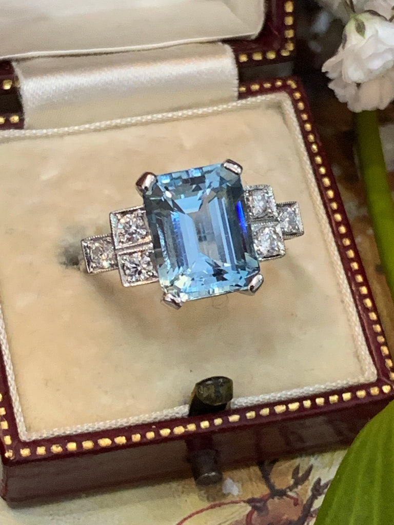 4.00 Carat Aquamarine and Diamond Art Deco Ring in Platinum