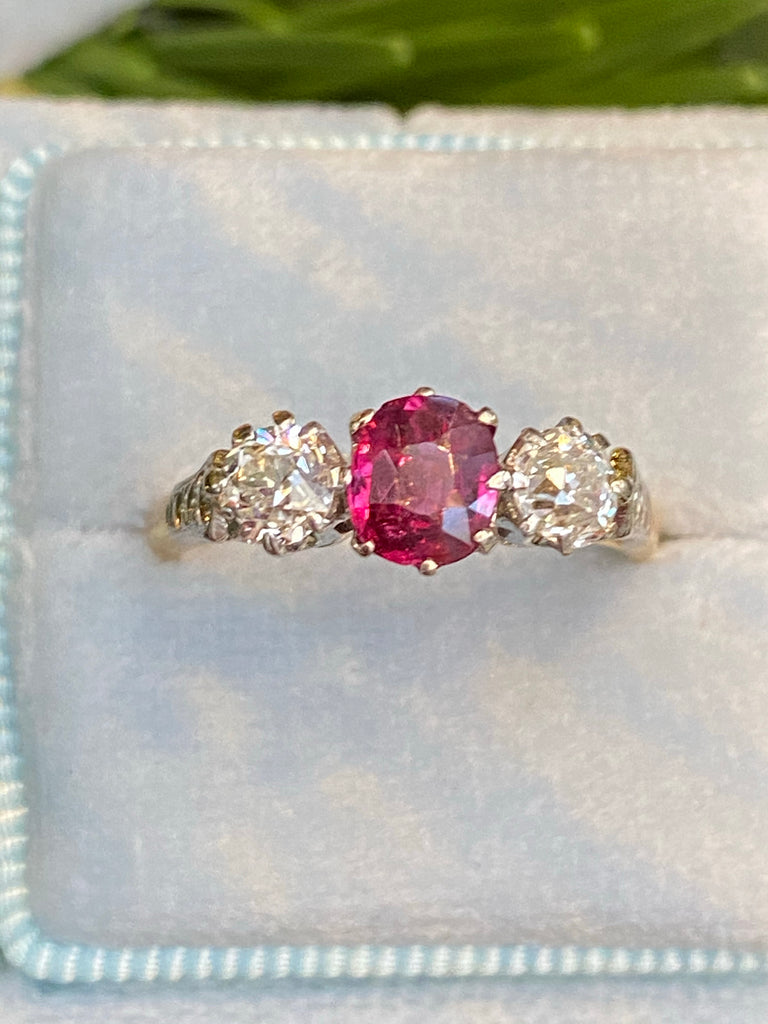 1.40 CTW Ruby and Diamond Antique Three-Stone Ring in 18ct Yellow Gold