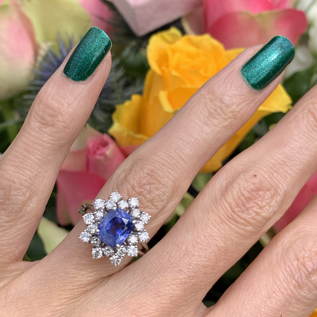 2.82 Carat Blue Sapphire and Diamond Ring Halo Ring in 18K Gold