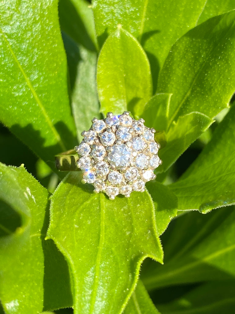 1.00 CTW Diamond Cluster Ring in 18ct Yellow Gold