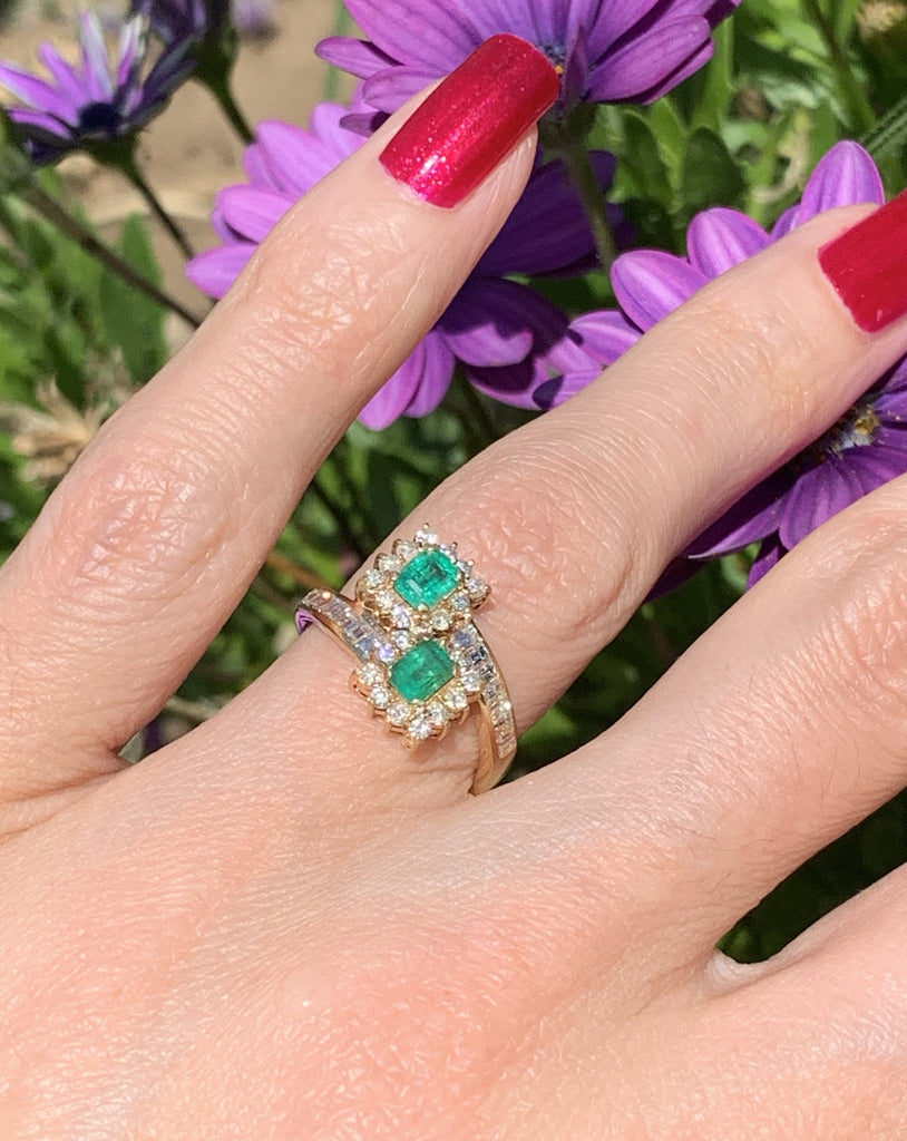 Emerald and Diamond Toi et Moi Ring in 18K Gold
